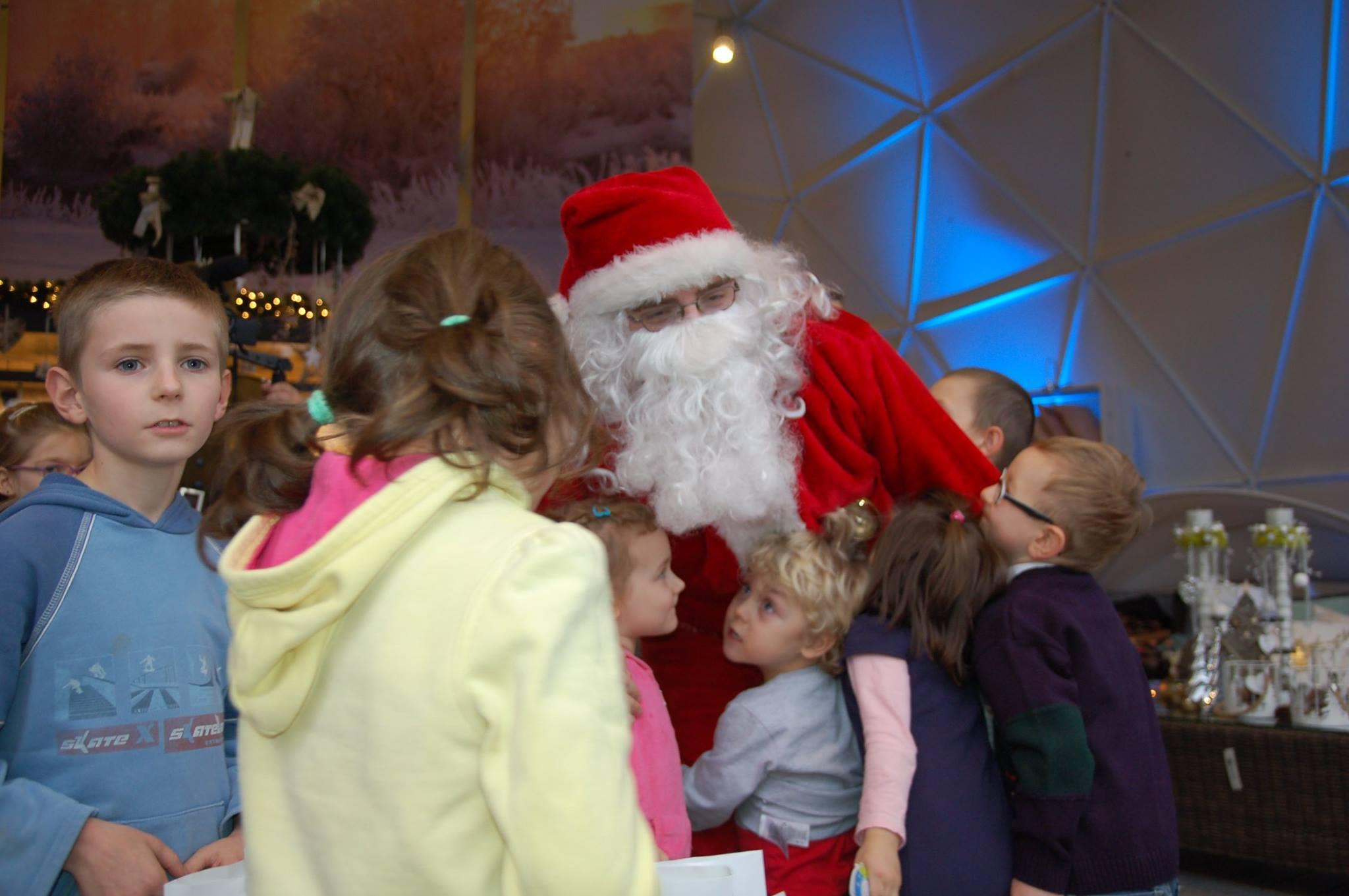 Święty Mikołaj w kuli sferycznej Garden Space!