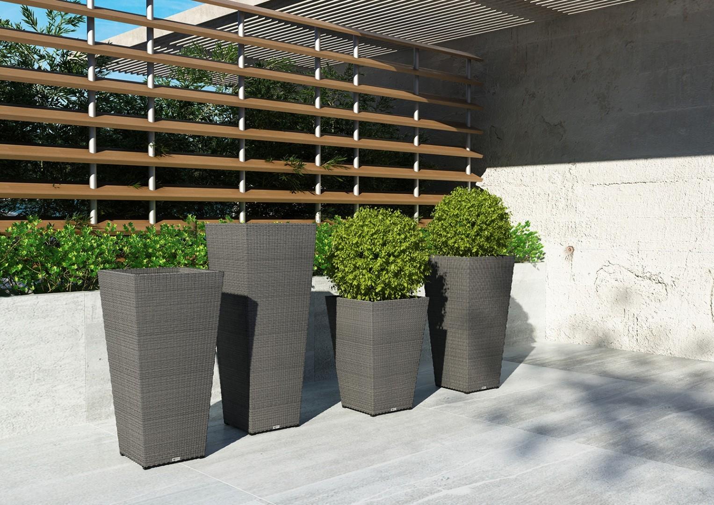 Donice na tarasie – podkreśl naturalne piękno roślin